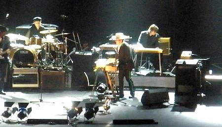 Bob Dylan in Shanghai upclose-450