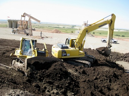 North Dakota Bakken drill site construction
