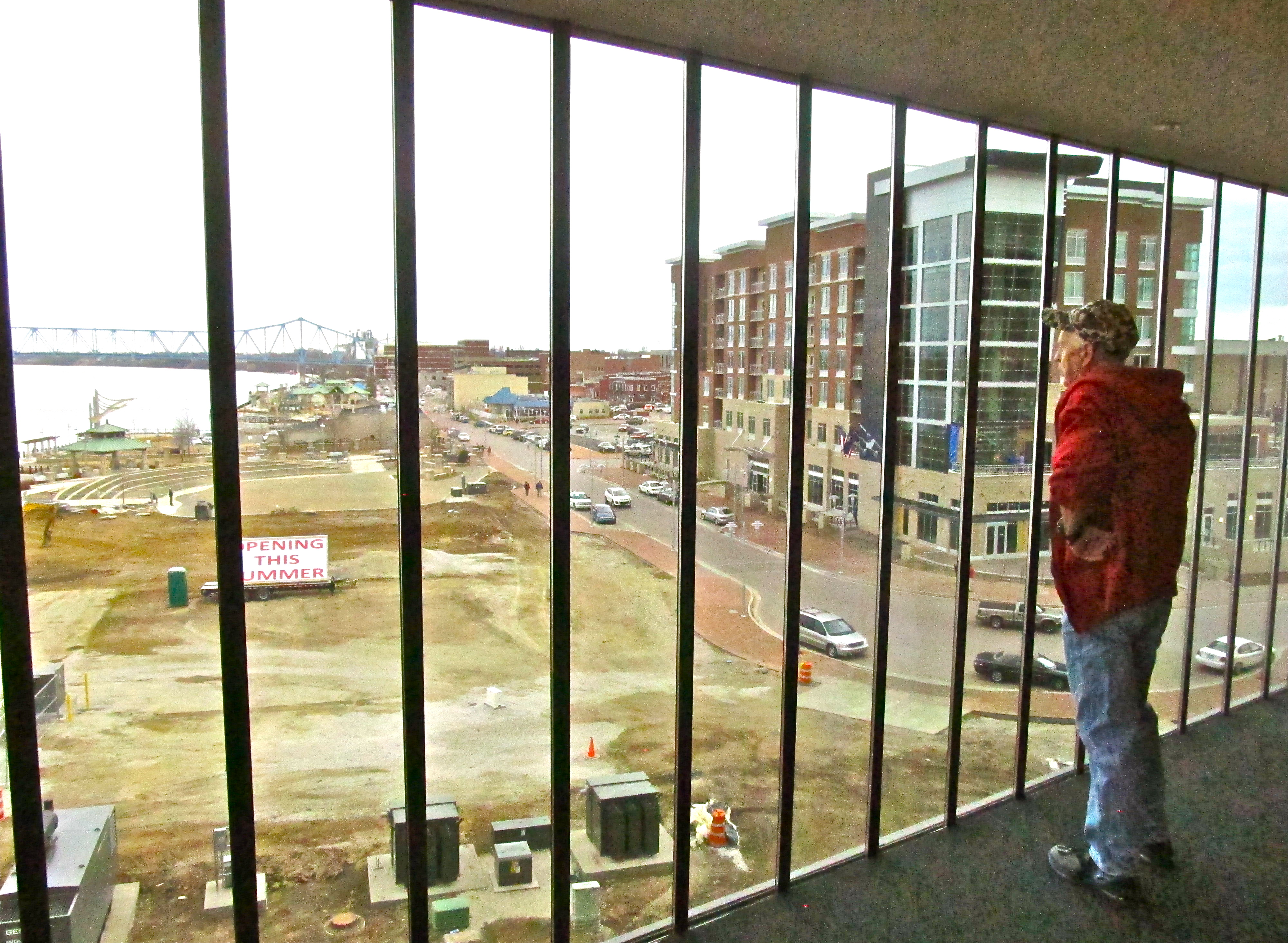 owensboro convention center opens with big party senators. Black Bedroom Furniture Sets. Home Design Ideas