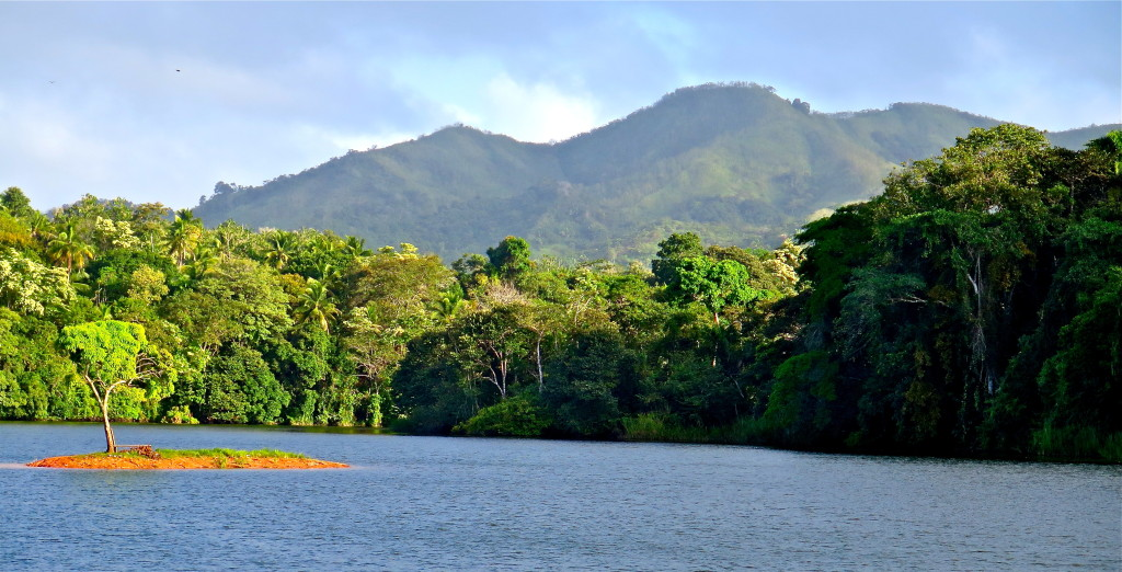 North of Panama City, Lago Alajuela drains parts of Parque Nacional Chagres, a biopreserve that is home to over 50 species of birds and a rich harvest of tilapia. Photo/Keith Schneider