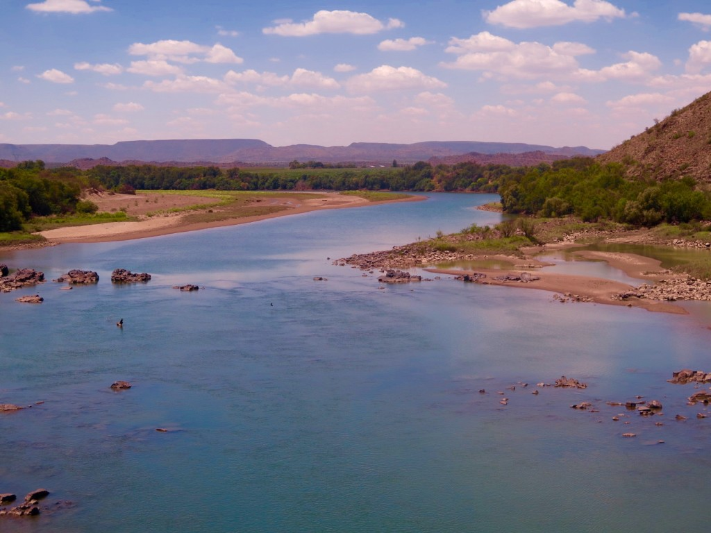 Rivers are low across South Africa including the Orange River in Northern Cape province. Photo/Keith Schneider